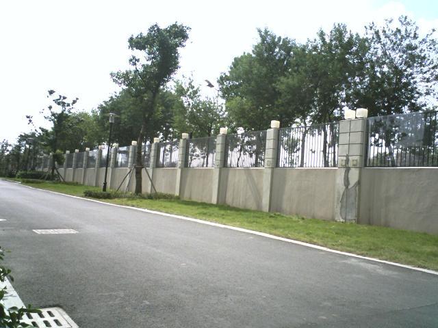 修护栏围墙